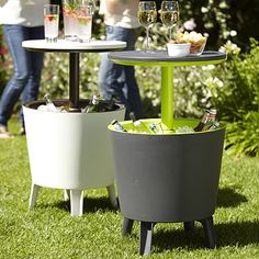 Cool Bar - like the idea... Awesome for backyard family get together, spread them around the yard for easy access.