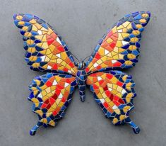Butterfly in yellow and orange with blue edges Mosaic Pots, Mosaic Garden, Mosaic Wall, Mosaic Glass, Fused Glass Art, Stained Glass, Butterfly Mosaic, Mosaic Birds, Glass Butterfly