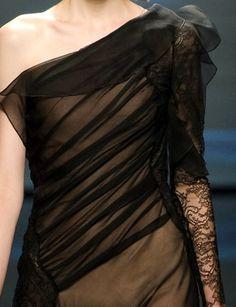 she-loves-fashion:  SHE LOVES FASHION:  Alberta Ferretti Spring/Summer 2013    Love