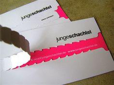"""Un exemple complexe mixant encre fluo, forme de découpe et double épaisseur... (Blog COPY-TOP """"Des cartes de visite comme vous n'en avez jamais vues !"""")"""