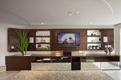 Navegue por fotos de Salas multimídia modernas: Casa Mercury. Veja fotos com as melhores ideias e inspirações para criar uma casa perfeita.