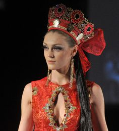 #JenkasFashion #couture #Russian #Luzhina #kokoshnik
