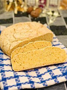 Pâine cu mălai fără frământare, rețetă rapidă și ușoară Cornbread, Ethnic Recipes, Food, Millet Bread, Essen, Meals, Yemek, Corn Bread, Eten