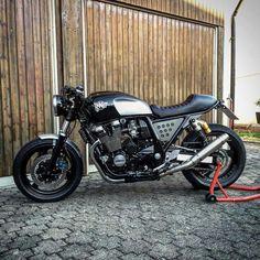Yamaha Cafe Racer, Inazuma Cafe Racer, Cafe Bike, Cafe Racer Motorcycle, Motorcycle Art, Motorcycle Design, Bike Design, Custom Cafe Racer, Cafe Racer Build