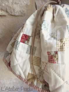 Quilt Me Club 2014 by L'Atelier Perdu - sneak peek - www. Quilt Stitching, Quilting, Cross Stitching, Make A Family, Nine Patch, Small Quilts, Mug Rugs, Fabric Patterns, Patches