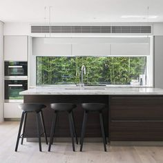 """Laminex Australia on Instagram: """"Get the look of this modern kitchen for the MALVERN EAST HOUSE by pairing our beautiful Essastone Unique Calacatta with Laminex Smoky…"""""""
