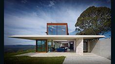 Invisible House. Peter Stutchbury Architecture. Hampton Australia. (Photo: Michael Nicholson)