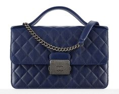b19097409c Chanel s handbag lookbooks are always fun  they usually contain 35 to 45  bags. Kabelky ...