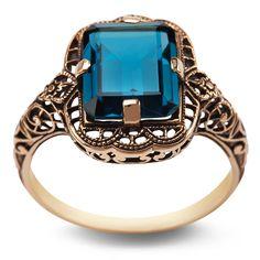Kolekcja Wiktoriańska - pierścionek z London Blue Topazem