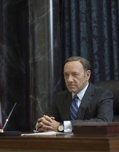 On l'attendait avec impatience. Netflix US vient d'annoncer le retour de la série politique culte « House of Cards » pour le 27 février 2015. http://www.elle.fr/Loisirs/Series/House-of-Cards-saison-3-revient-en-fevrier-2866044