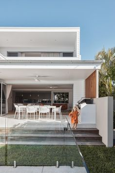"""BBQ like this ? """"Golden Beach House / Nick Tyson Architecture Photos © Andy MacPherson """""""