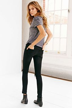 perfect t-shirt and jeans