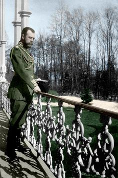 Tsar Nicholas II looking out over balcony to garden Tsar Nicolas, Tsar Nicholas Ii, Czar Nicolau Ii, Familia Romanov, House Of Romanov, Russian Literature, Imperial Russia, Kaiser, King Queen