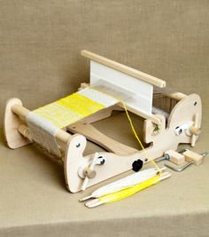 Cricket tabletop  Looms from Schacht Spindle Co.: