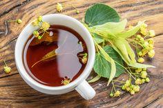 Enyhítsd az influenza tüneteit a következő gyógynövényekkel! Influenza, Okra, Moscow Mule Mugs, Chocolate Fondue, Tableware, Health, Desserts, Food, Decongestant