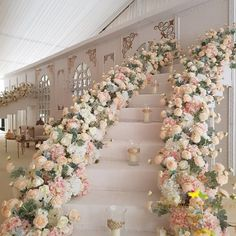 Staircase perfection accomplished with this dream of a reception ✨ | Event Design: @theweddingguruu.. #wedding #weddingdesigner #weddingdecorator #brides #weddingreceptiondecor #weddingplanner #dreamwedding #brideandgroom #bride #floralchandelier #weddinggame #wedding #weddingdesign #weddingstage #weddingreception #weddingdecor # #Regram via @bellethemagazine