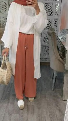 Hijab Fashion Summer, Modest Fashion Hijab, Modern Hijab Fashion, Muslim Women Fashion, Modesty Fashion, Casual Hijab Outfit, Hijab Fashion Inspiration, Islamic Fashion, Mode Inspiration
