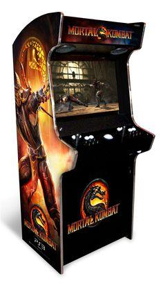 Image from http://arcadeheroes.com/wp-content/uploads/2011/03/mkarcadeprize.jpg.