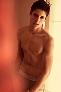 Julian de Gainza, Argentinian model 1