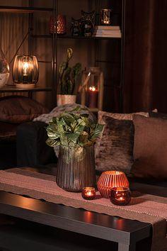 #blackdesign #livingroom #brown #autumn #fall #textiles