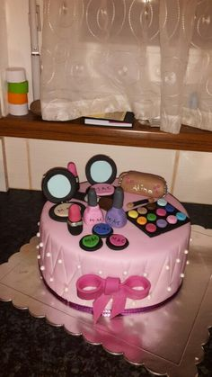 Make up cake Make Up Cake, Sweet, Kitchen, Desserts, How To Make, Food, Cooking, Meal, Deserts