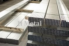 It would be nice to get a lot of steel for projects. I know my husband would look some. It would be good to get some that aren't just in sheets, like these bundles. It would be convenient to have tubes like this. Pretty Cool, Nice, Iron Work, Building Materials, Stairs, Sheet Metal, Steel, Ornaments, Wood