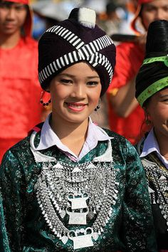 Lao Traditional Costume at That Luang Festival | © Peace On Earth