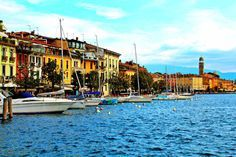 Lake Garda Tips: Favorite places, markets, prospects, restaurants and more! The Places Youll Go, Places To See, Barcelona Restaurants, Top Restaurants, Camping Resort, Reisen In Europa, Lake Garda, Italy Travel, Travel Europe
