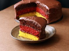 I'm not German, I don't do Oktoberfest, but I love this SO much. A German flag layer cake! Yellow, red velvet, and chocolate layers. How creative!