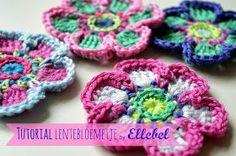 Flor de primavera crochet         Lo prometido es deuda, aquí la descripción de esta flor de ganchillo:     Aquí puedes ver el tutorial fo...