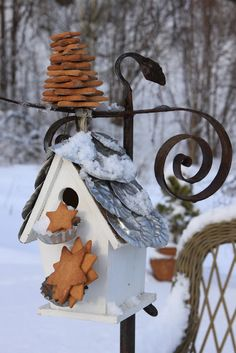 Dishfunctional Designs: For The Birds: Unique Garden Birdhouses