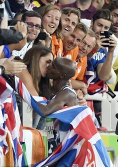 Mo Farah Fall Down never give up Pictures Rio 2016