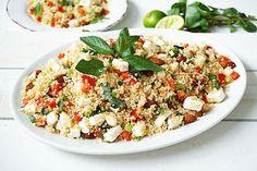 Tegenwoordig maak ik vaker van dit soort gerechten. Salades met bijvoorbeeld couscous. Super snel klaar en perfect om de dag erna mee te nemen als lunch. Deze salade maakte ik met volkoren couscous en is vegetarisch, uiteraard kun je zelf nog variëren met de ingrediënten Bereid de couscous volgens de …