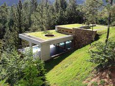 Современная землянка. Дом на крутом склоне горы (2)
