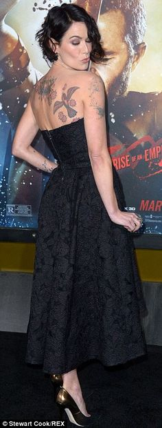 Lena Headey shows tattoos while Eva Green shimmers in backless gown - Modern Lena Headey, Cersei Lannister, Daenerys Targaryen, Eva Green, Backless Gown, Strapless Dress Formal, Reina Gorgo, British Actresses, Actors & Actresses
