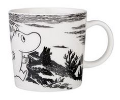 Arabia Finland and Iitala's distinctive mugs and kitchenware are illustrated with classic Finnish characters, including the Moomin collection. Arabia are extremely popular in Finland. Moomin Mugs, Classic Dinnerware, Tove Jansson, Scandinavian Interior Design, Finland, Home Accessories, Adventure, Tableware, Kitchenware