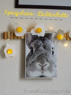 ErnestKa: Upcycling All The Small Things, Recycling, Seasonal Decor, Upcycle, Rabbit, Paper Crafts, Seasons, Cool Stuff, Html