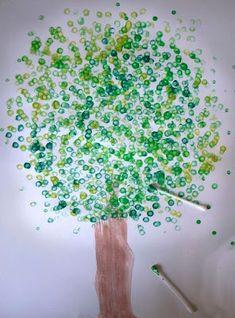 Malen mit Kindern: Ein Wattestäbchen-Baum