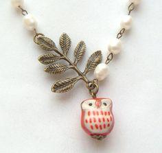 Antiqued Brass Leaf Pearl Porcelain Owl Necklace by gemjewelry Bird Jewelry, Pearl Jewelry, Jewelry Box, Jewelry Making, Beaded Earrings, Beaded Jewelry, Jewelry Necklaces, Owl Pendant, Leaf Pendant