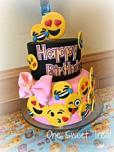 Emoji Cake Torta 12th Birthday Girls