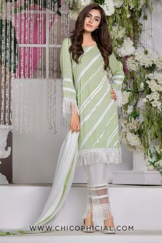 Evening Breeze chicophicialPresenting Evening Dream by Chicophicial 💫💫A perfect look for Eid lunches Beautiful Pakistani Dresses, Pakistani Dresses Casual, Pakistani Dress Design, Pakistani Suits, Indian Suits, Stylish Dresses For Girls, Stylish Dress Designs, Simple Dresses, Indian Designer Outfits