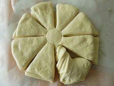 Cake Recipes, Snack Recipes, Cooking Recipes, Snacks, Greek Bread, Kai, Mirror Glaze Cake, Bread Cake, Greek Recipes