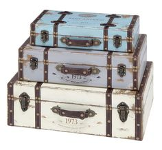 Create An Outstanding decor Item With This Wood Trunk With Exceptional Looks & Intrinsic Details (Set Of This Unique Wood Trunk Set Combine Extraordi. Wooden Box With Lid, Wooden Case, Wooden Boxes, Vintage Trunks, Vintage Suitcases, Vintage Luggage, Decorative Trunks, Decorative Boxes, Vintage Travel Themes
