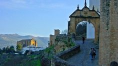 Excursión de un día en Ronda: historia, vinos y folclore