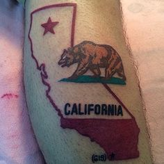 theirs version with blue instead of red i seen thos has a meaning in red but i dont care california love is california pride! California tattoo on my leg. Side Tattoos, Body Art Tattoos, Sleeve Tattoos, Cool Tattoos, Tatoos, Tatuagem Cali, California Bear Tattoos, Cali Tattoo, California Love