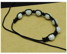 DIY Shamballa Bracelet tutorial From: toocutebeads Jewelry Knots, Jewelry Crafts, Beaded Jewelry, Jewelry Bracelets, Jewelery, Bracelets Crafts, Unique Jewelry, Shambala Bracelet, Jewelry Accessories