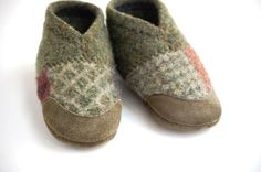 Sweater booties. Gluing sweater scraps to actual booties would make this easy. il_570xN.208426701.jpg (570×377)