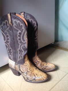 REDUCED!  Vintage J. Chisholm Dark Brown and Camel tan Leather and Exotic PYTHON Snakeskin Women's Extra Fancy Western Cowboy Boots, women's sz 8 tall, sweet and sexy pair of J. Chisholm dark brown, whip stitched leather and exotic python skin, extra fancy, western cowboy boots.  Note: these stunning Chisholm boots were handcrafted in the USA.    Overall vintage condition, inside and out, is NEAR MINT!  Worn just twice..The python skin portions of both boots are soft and supple