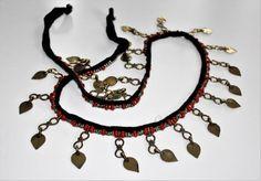 Tribalgürtel mit Anhängern und roten Perlen von neemaheTribal
