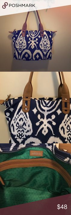 Stella and Dot icat tote Gorgeous navy and whit icat tore. Holds everything and goes with everything! In excellent condition only used 2-3 times. Stella & Dot Bags Totes